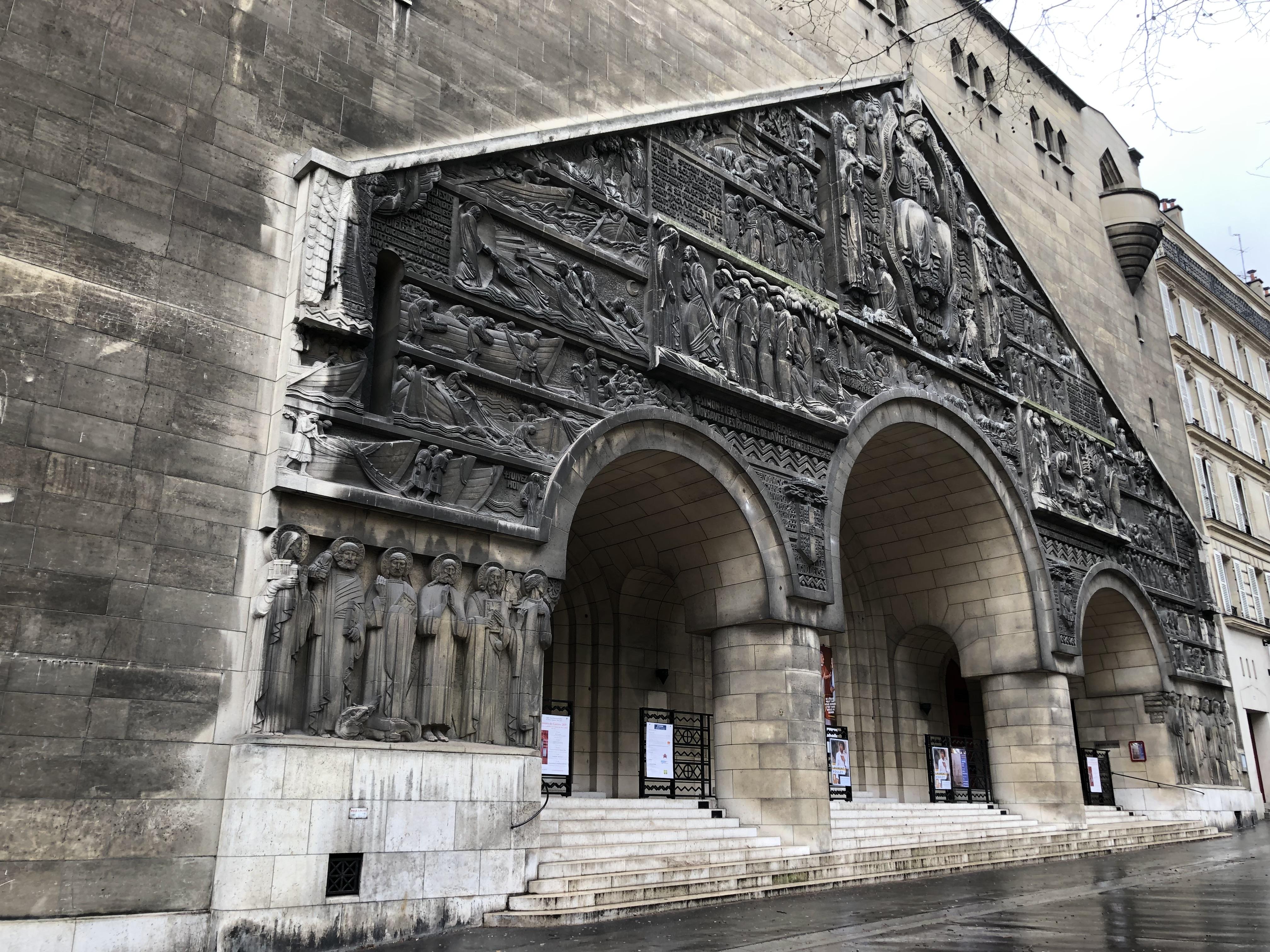 Participez à la restauration du tympan de Saint-Pierre de Chaillot