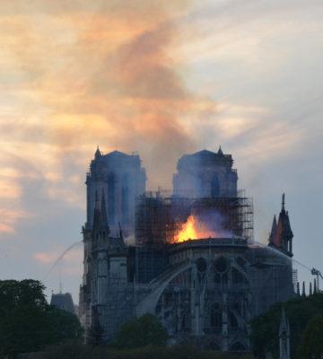 Sauvez la Cathédrale Notre-Dame de Paris des cendres de l'incendie !
