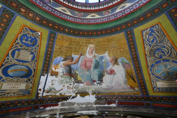 Reine des cieux en cours de restauration